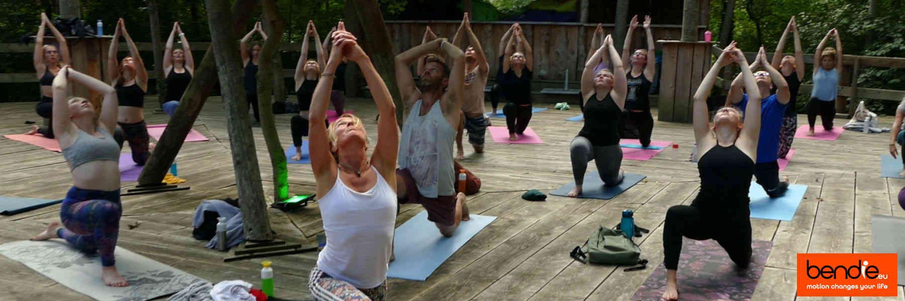 Yoga in Leeuwarden bij Bendie. Anjaneyasana pose.
