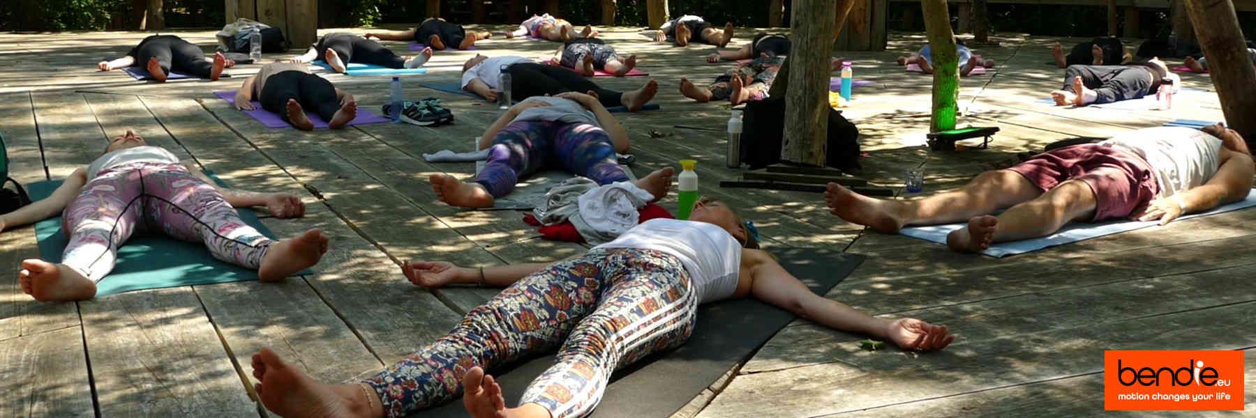 De tarieven van Bendie in Leeuwarden, daar wordt je stil van. Acrobatiek, yoga, handstand, massage en Teambuilding.