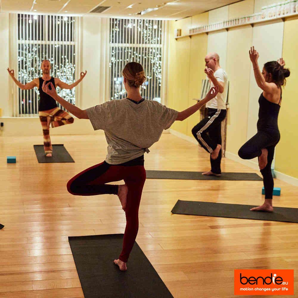 Yoga in Leeuwarden bij Bendie. Vrksasana pose.